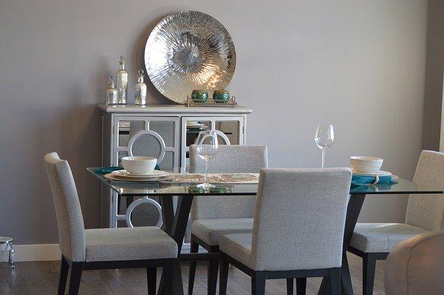 โต๊ะอาหาร แบบกระจกได้ความโมเดิร์น