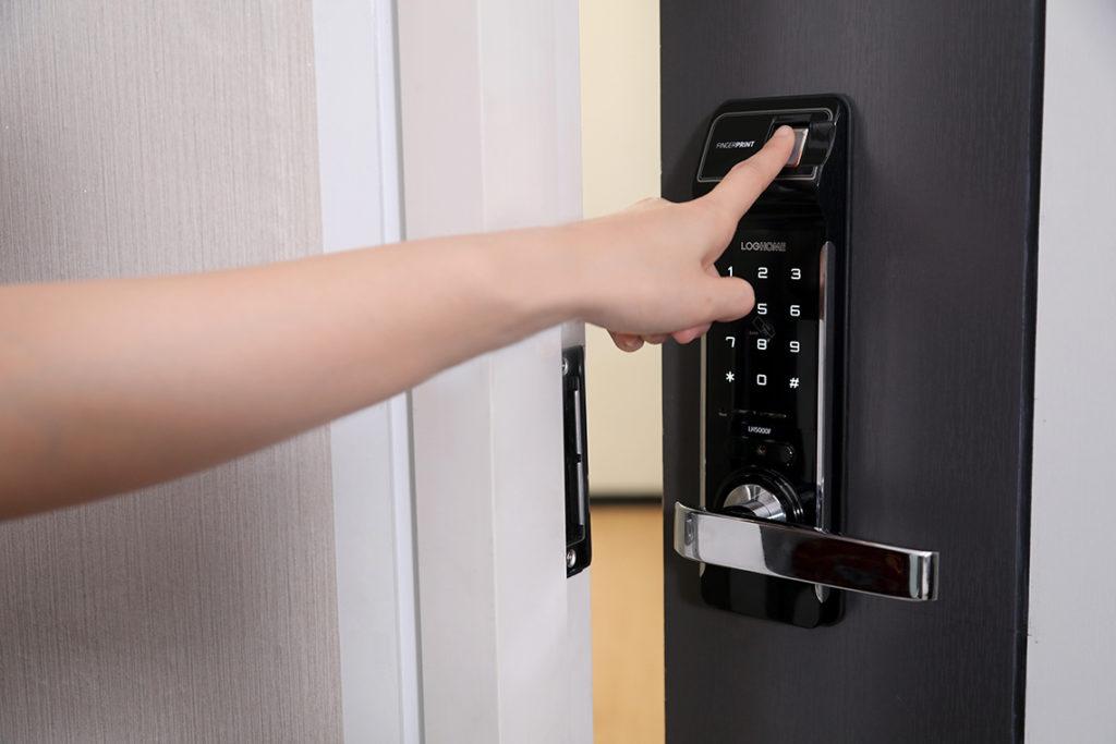 ข้อดีของประตูดิจิตอล ความปลอดภัยสูงมีระบบกันขโมยในตัวเอง
