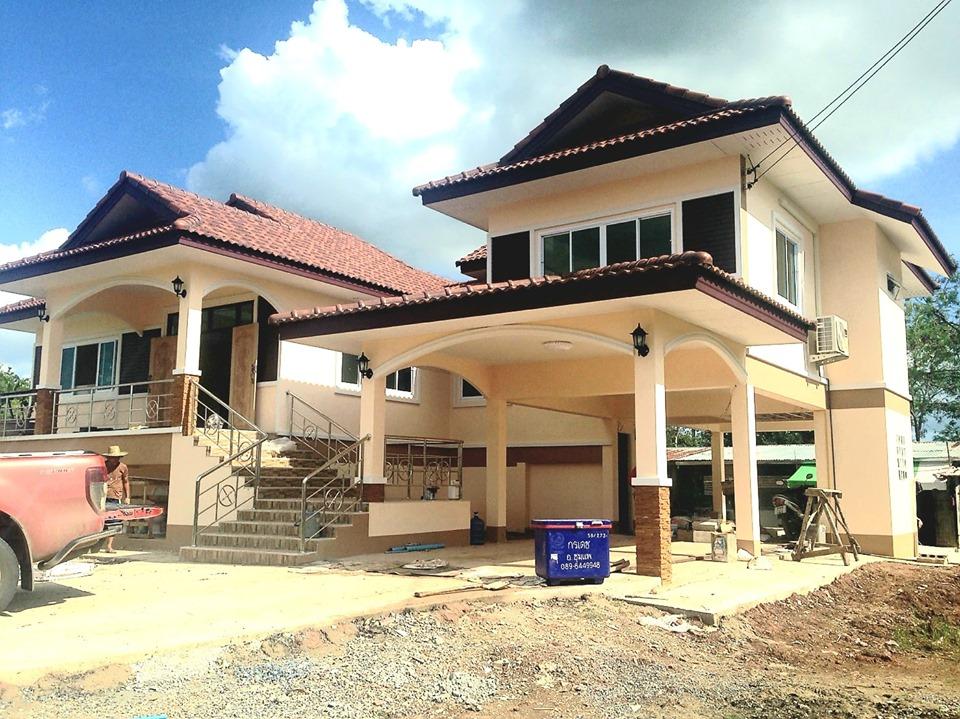 การสร้างบ้านแบบทรงไทย โทนสีครีม สวยน่าอยู่