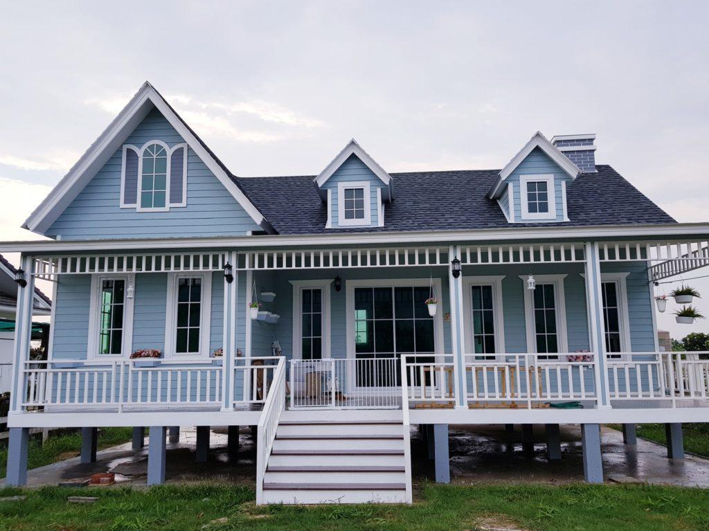 การสร้างบ้านในสไตล์วินเทจ แบบยกพื้นสูง ถือว่าเป็นการสร้างบ้านที่สามารถป้องกันเรื่องน้ำท่วมได้เป็นอย่างดี
