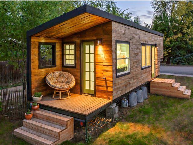 บ้านตากอากาศหลังเล็ก แบบกล่องเล็กน่ารัก