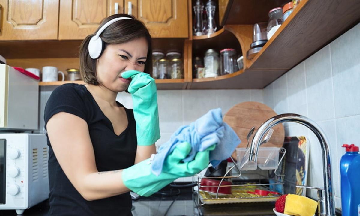 กำจัดกลิ่นเหม็นในห้องครัว